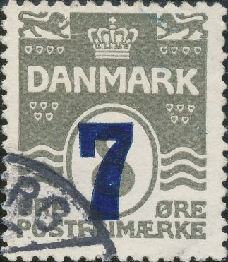 157/32